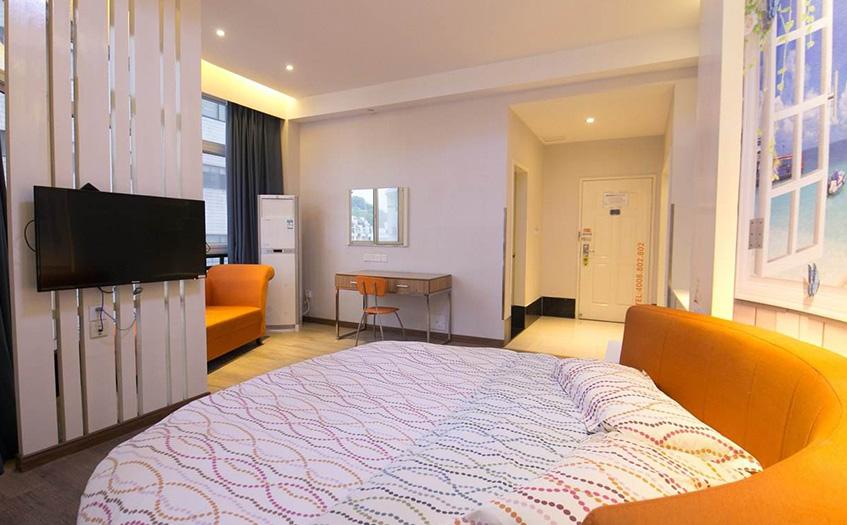 开宾馆15个房间多少钱?如何做到利润最
