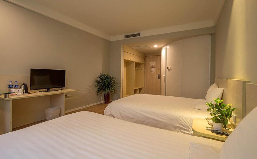 汉庭酒店一年赚多少?