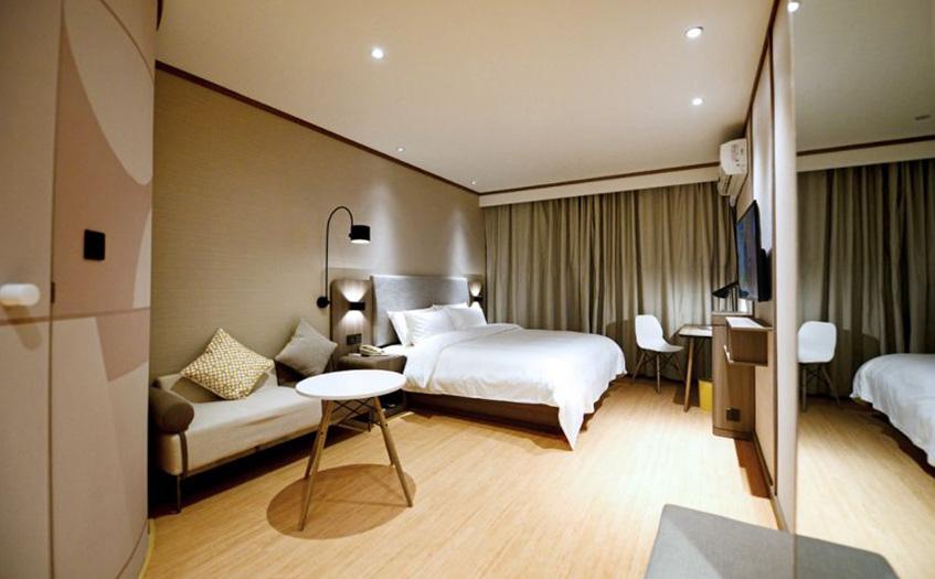 20个房间的宾馆利润多少?能确定吗?