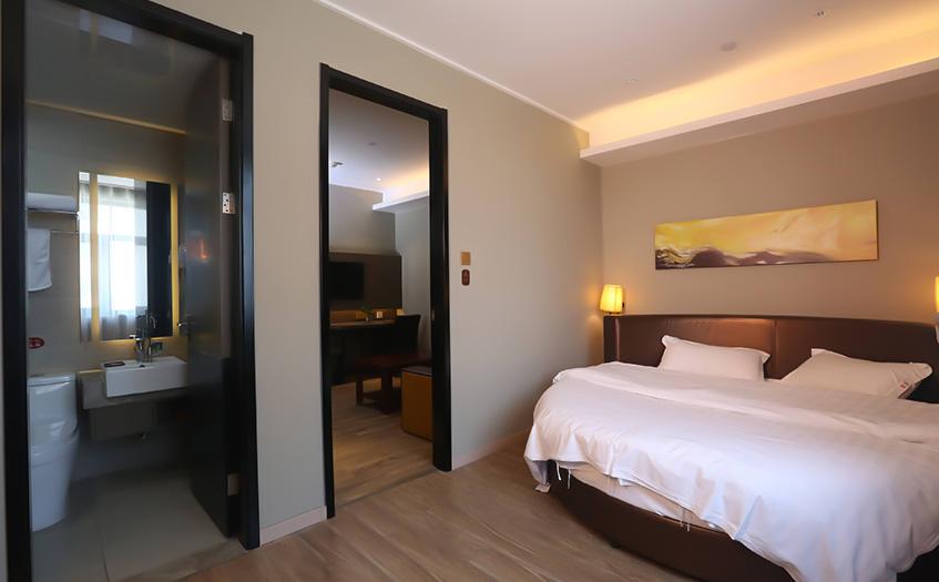 5个房间小旅馆利润大约有多少?