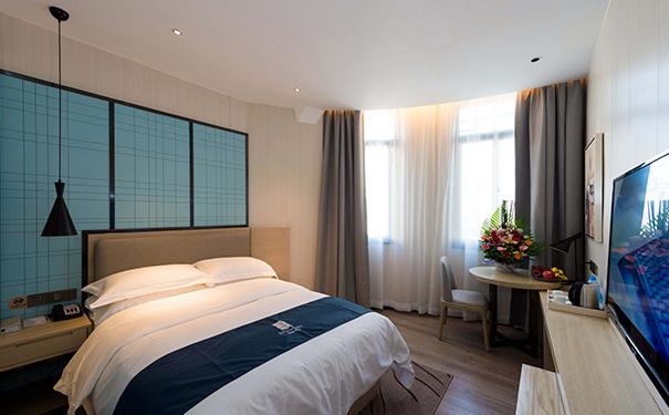 酒店一间房投资多少钱才比较稳定